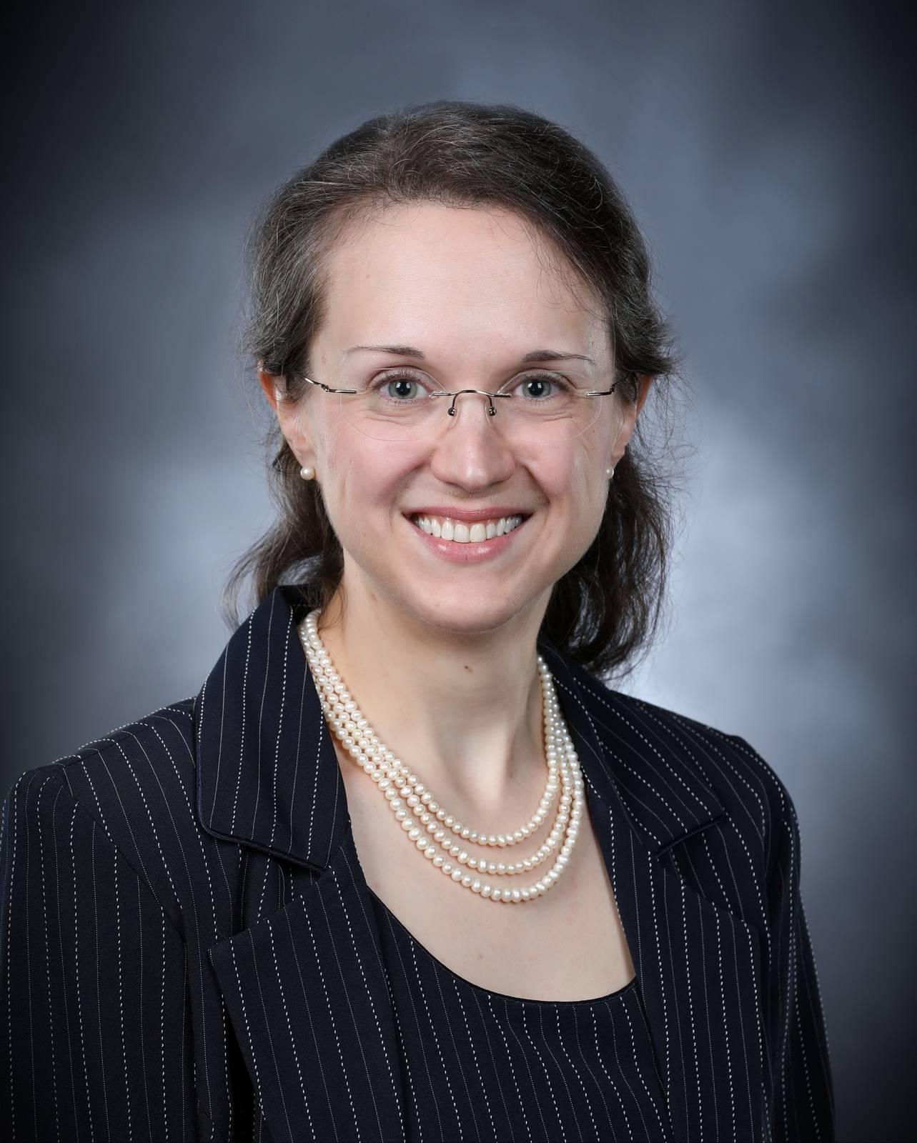 Christina M Knopf